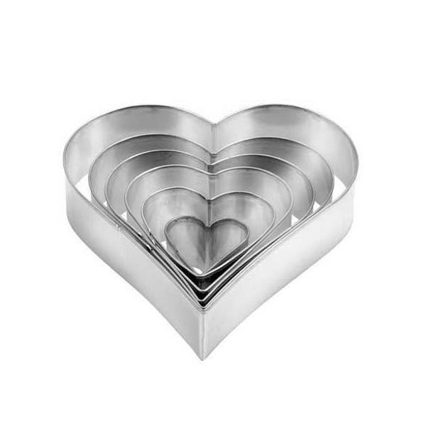 תמונה של סט חותכי עוגיות בצורת לב Tescoma